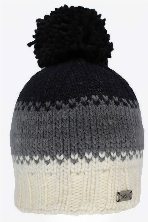 MOS YARN BOBBLE HAT