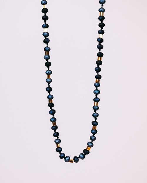 LONG STONE NECKLACE WITH GOLD CUBES