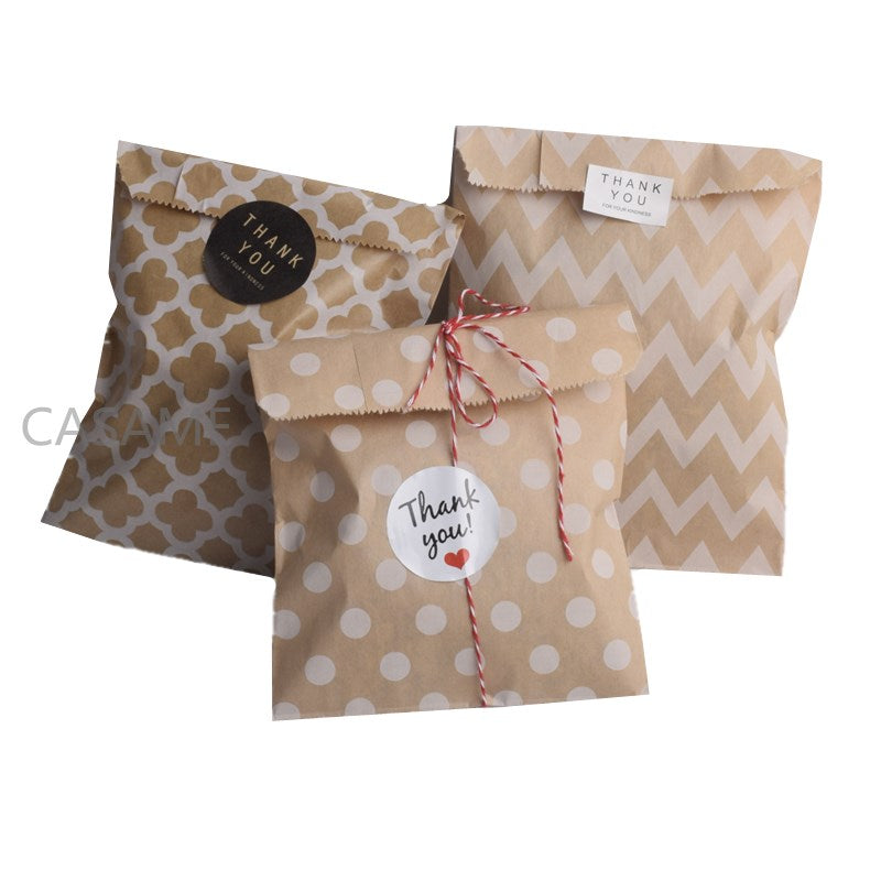 Pack of 25 Chevron/Spot/Star/Plain/Polka Dot Bags with optional stickers