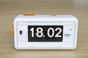 Open image in slideshow, Twemco AL-30 flipclock - Flipclockshop