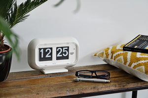 Open image in slideshow, Twemco QT-35 flipclock - Flipclockshop