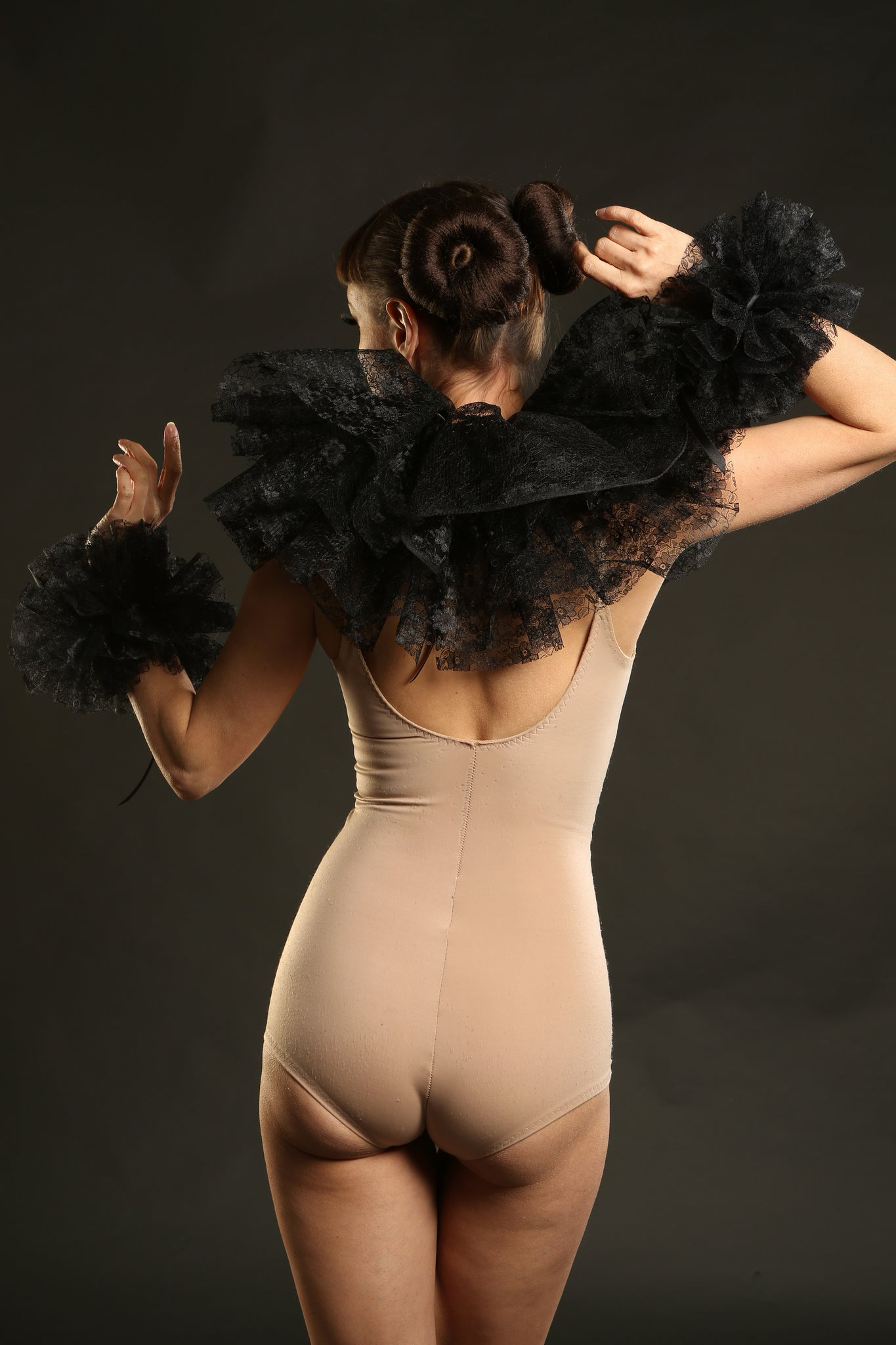 Black Lace Neck Ruff & Cuffs Circus Costume