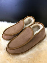 Load image into Gallery viewer, Ladies Deluxe Slippers