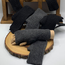 Load image into Gallery viewer, Men's - Fingerless Alpaca Gloves