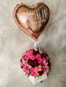 Love Blooms with customisable heart foil balloon in paper box