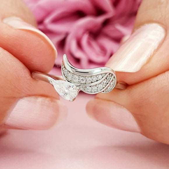 "<img src=""Always_On_My_Mind_Angel_Wing_Ring.jpg"" alt=""Angel Jewelry - Always On My Mind Sterling Silver Angel Wing Ring"">"