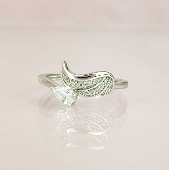 "<img src=""Always_On_My_Mind_Angel_Wing_Ring_3.jpg"" alt=""Angel Jewelry - Always On My Mind Sterling Silver Angel Wing Ring - 3"">"