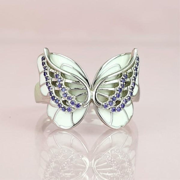 "<img src=""On_The_Wings_Of_Butterflies_Ring_-_Silver_2.jpg"" alt=""Angel Jewelry - On The Wings Of Butterflies Sterling Silver Angel Ring - 2"">"