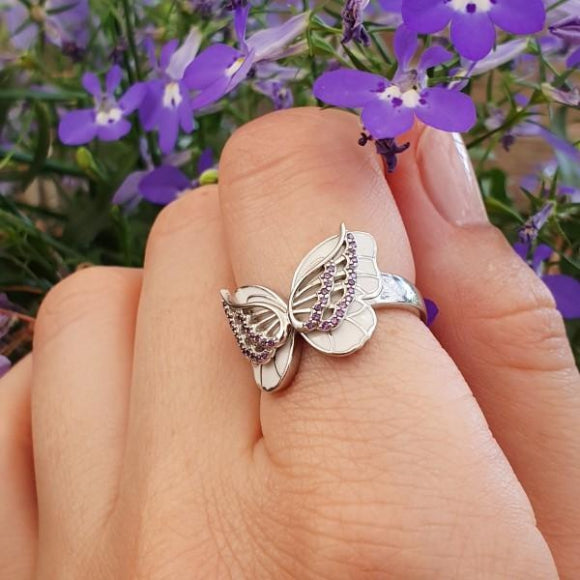 "<img src=""On_The_Wings_Of_Butterflies_Ring_-_Silver_6.jpg"" alt=""Angel Jewelry - On The Wings Of Butterflies Sterling Silver Angel Ring - 6"">"