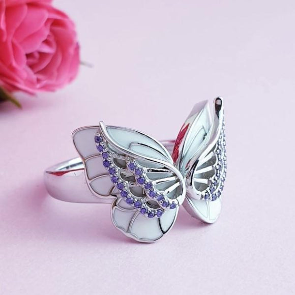 "<img src=""On_The_Wings_Of_Butterflies_Ring_-_Silver_7.jpg"" alt=""Angel Jewelry - On The Wings Of Butterflies Sterling Silver Angel Ring - 7"">"