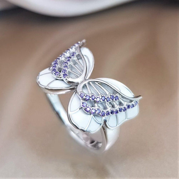 "<img src=""On_The_Wings_Of_Butterflies_Ring_-_Silver_9.jpg"" alt=""Angel Jewelry - On The Wings Of Butterflies Sterling Silver Angel Ring - 9"">"