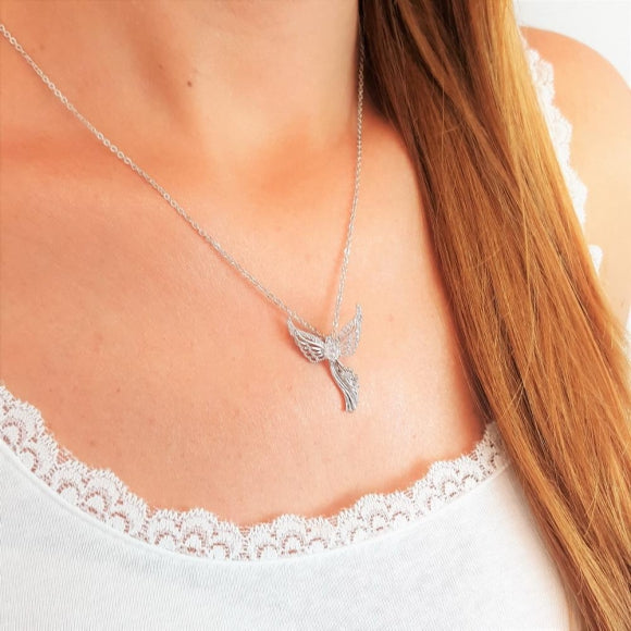 "<img src=""Wings_Of_Courage_Guardian_Angel_Necklace_2.jpg"" alt=""Angel Jewelry - Wings Of Courage Guardian Angel Necklace - 2"">"