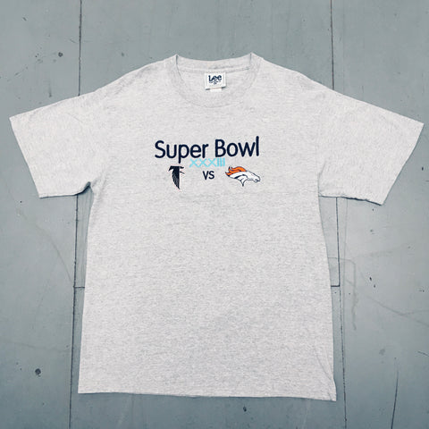 Denver Broncos: 1999 Super Bowl XXXIII Embroidered Tee (L)