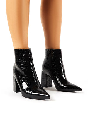 Hollie Pointed Toe Ankle Boots in Black