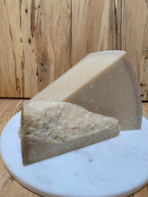 Load image into Gallery viewer, Parmesan - 3yr (cow raw milk)