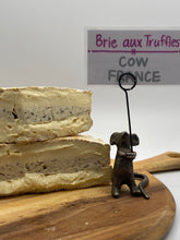 Load image into Gallery viewer, Brie W/ Truffle (cow) 🇫🇷