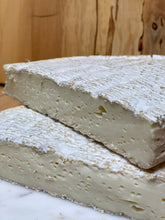 Load image into Gallery viewer, Brie De Meaux (cow) 🇫🇷