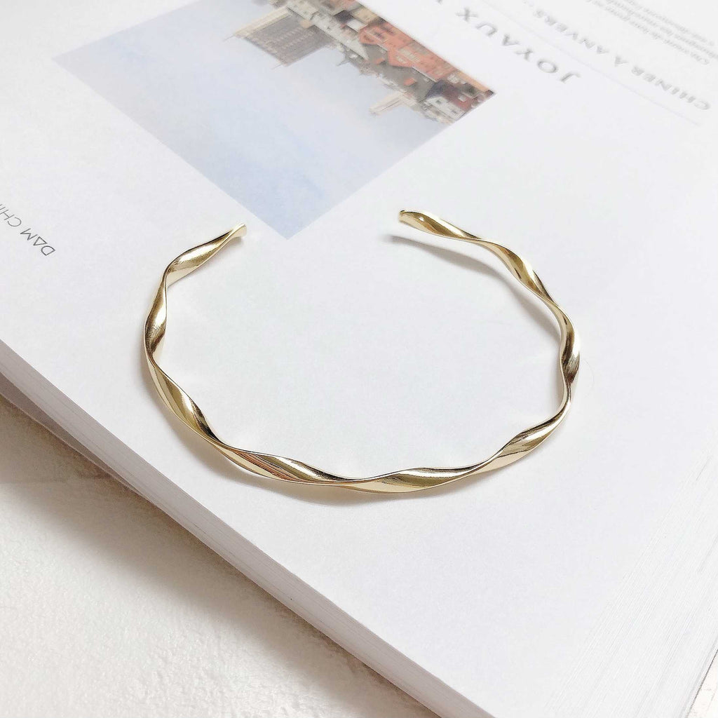 twist gold bangle / HDM153