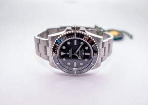 ROLEX OYSTER PERPETUAL SUBMARINER BLACK DIAL 40MM WATCH 114060