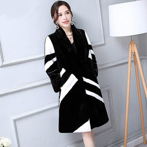 2019 Women's Faux Fur Coat Women in White And Black Contrast Color