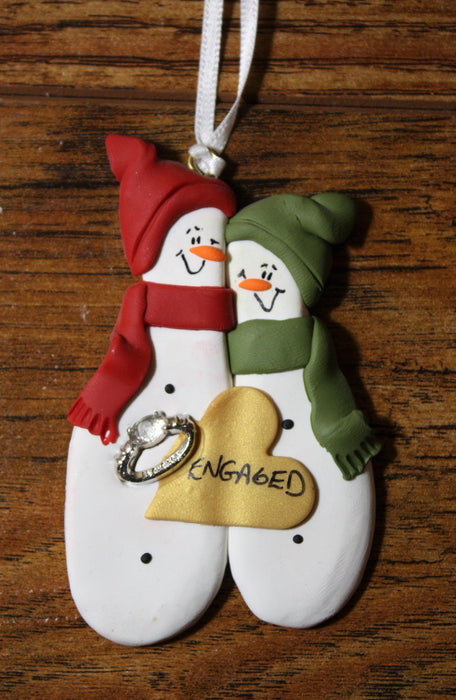 Snowman Couple - Engaged