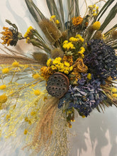 Load image into Gallery viewer, DRIED FLOWER WALL HANGING