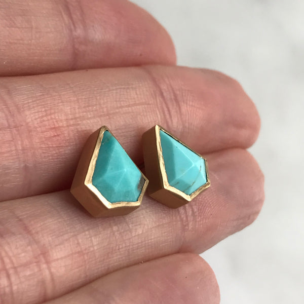14k royston usa turquoise arrow studs