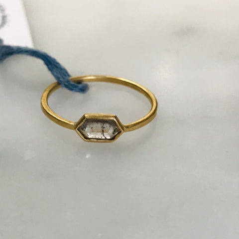 salt + pepper rose cut diamond ring in 18k gold