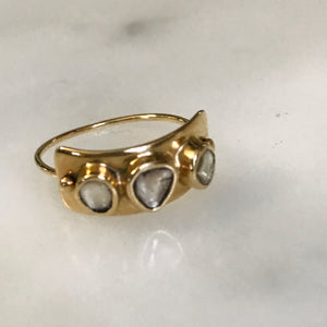 plate ring with three diamonds 14k