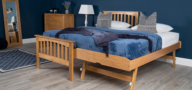 Hampshire Oak Beds (Oakworth Furniture Ltd)