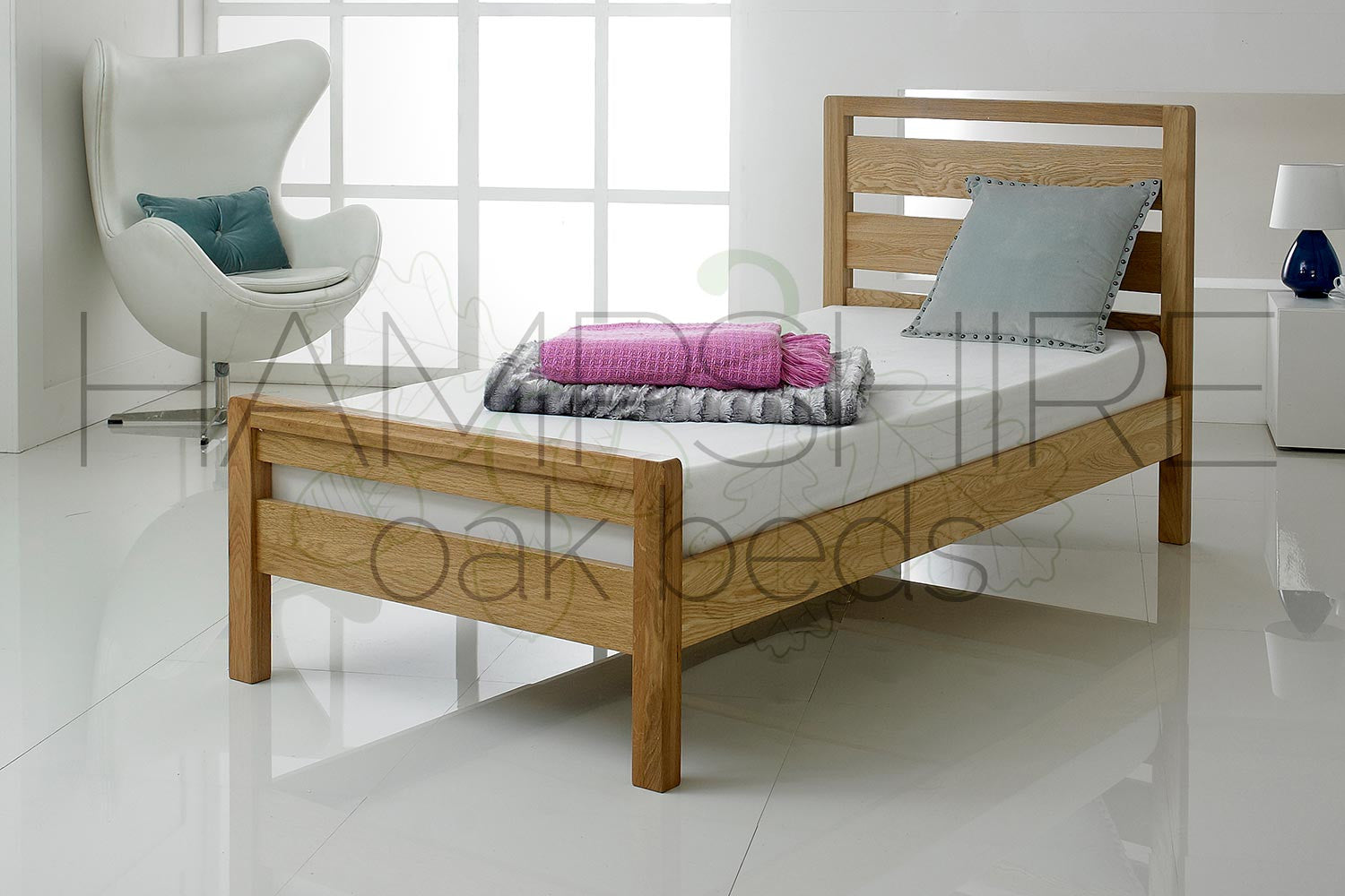 WIO Oak Bed Frame