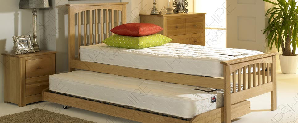 HWOGB Oak Guest Bed