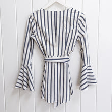Load image into Gallery viewer, Madison Square Wrap Blouse Size XS