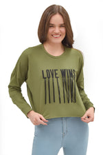 "Sudadera básica con estampado ""Love wins"" (4567012507715)"