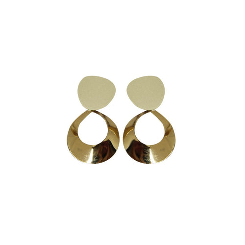 Aretes largos con placa circular de color. (4490254385219)