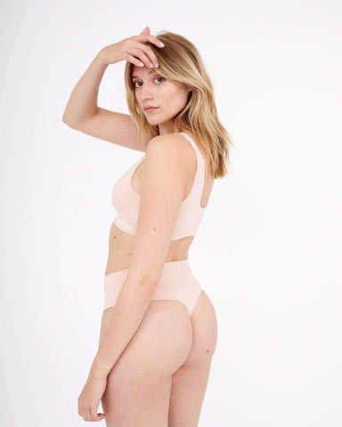 Semi sheer seamfree thong dusty pink