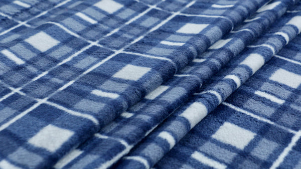 fleece-fabric-blue-white-check-design-medium-weight-clothcontrol
