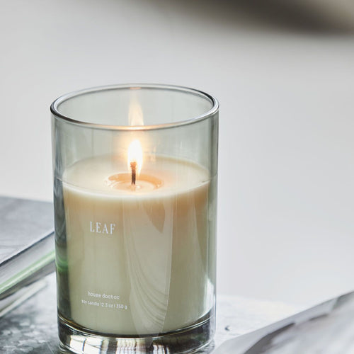 Scented Soywax Candle Leaf burning