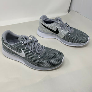 Nike Mens Tanjun Racer Size 9M, WOLF GREY NEW IN BOX