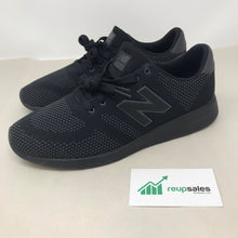 Load image into Gallery viewer, Men's New Balance 420 size 8M Black Athletic Shoe