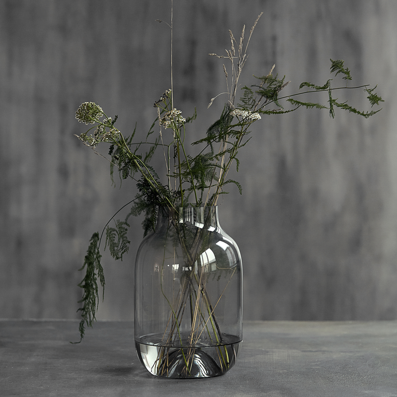 Shaped Vase grau