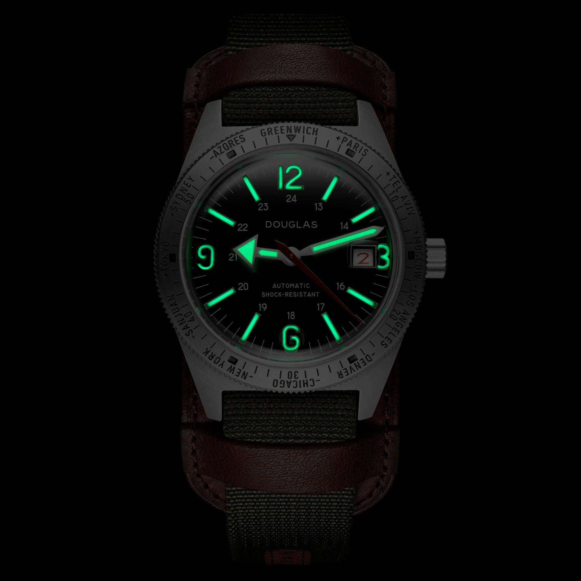 Skindiver WT Professional Tool-Watch with Black Dial and Green C7 Super-LumiNova on