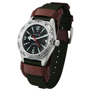 Skindiver WT Professional Tool-Watch with Black Dial and Green C7 Super-LumiNova, on Steel Case 3/4 view