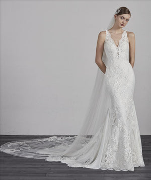Pronovias Erin Sample