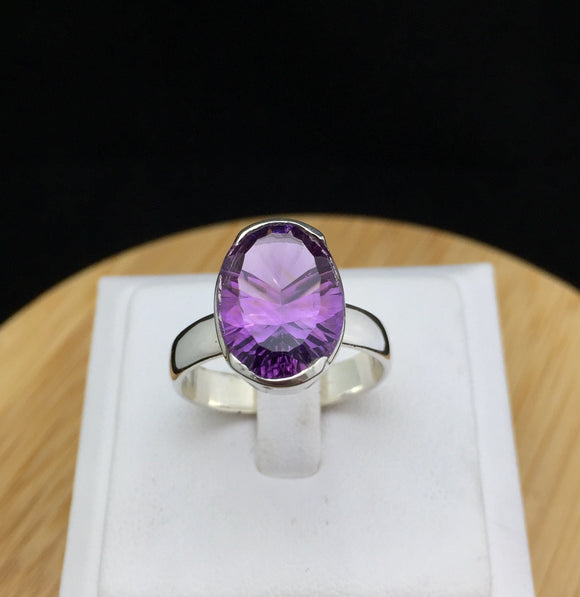 Amethyst Ring     STR 36