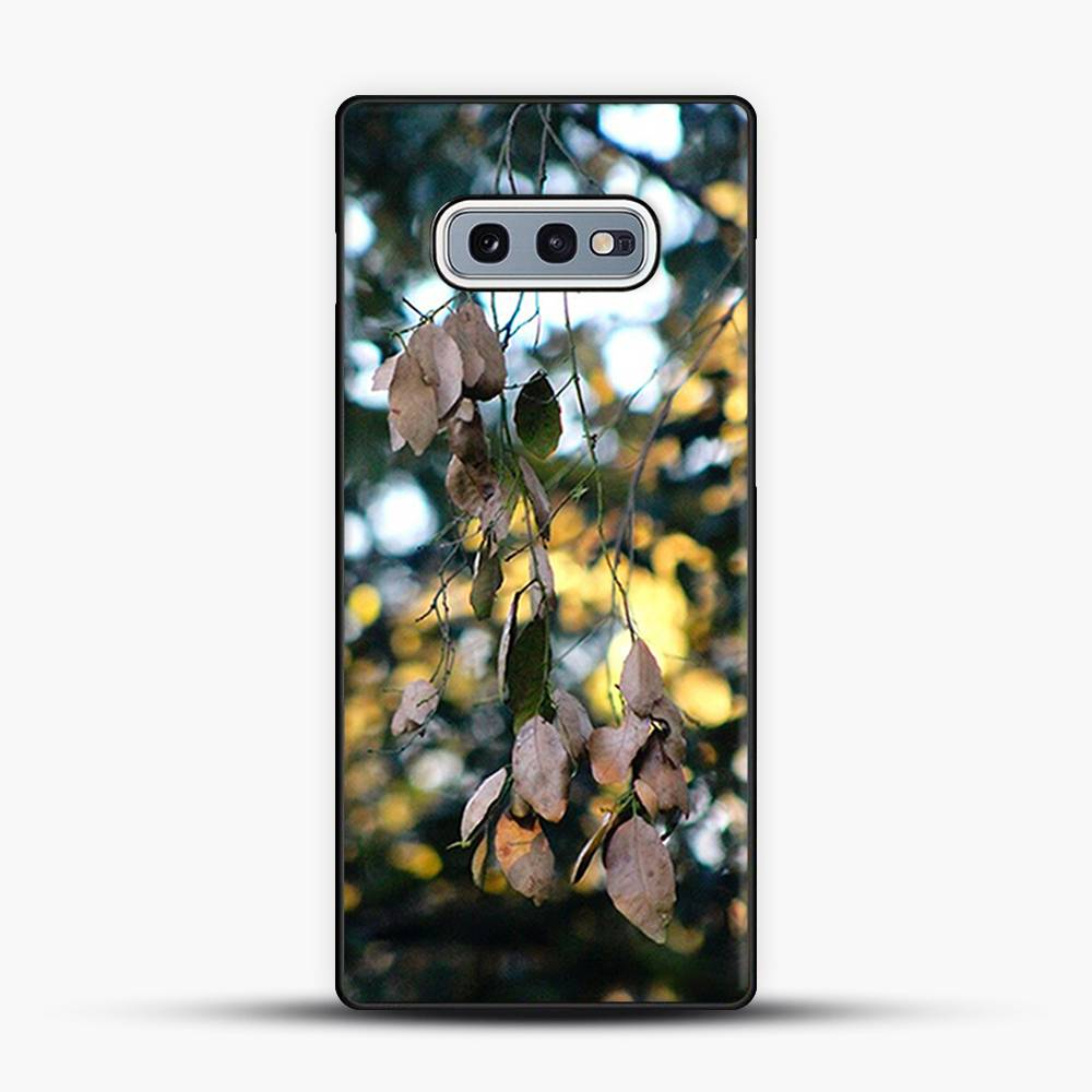 Dead Leaves Dappeled Samsung Galaxy S10e Case