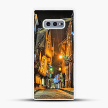 Load image into Gallery viewer, Diagon Alley Flying Bird Samsung Galaxy S10e Case