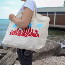 Load image into Gallery viewer, Chicago Skyline Weekender Tote