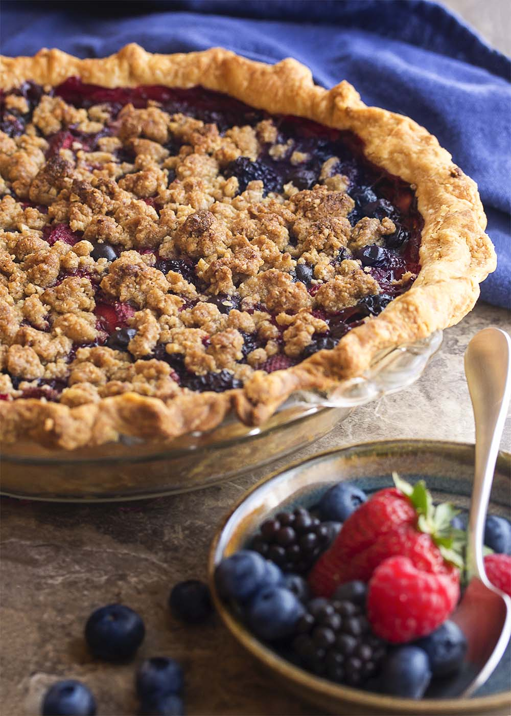 Mixed Berry Streusel Pie