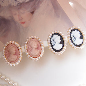 Vintage Style Resin Embossed Pearl Ear Pins